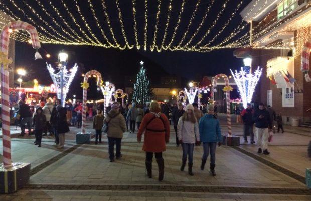 O lună de sărbătoare la Reșița! Târg de Crăciun cu Lora